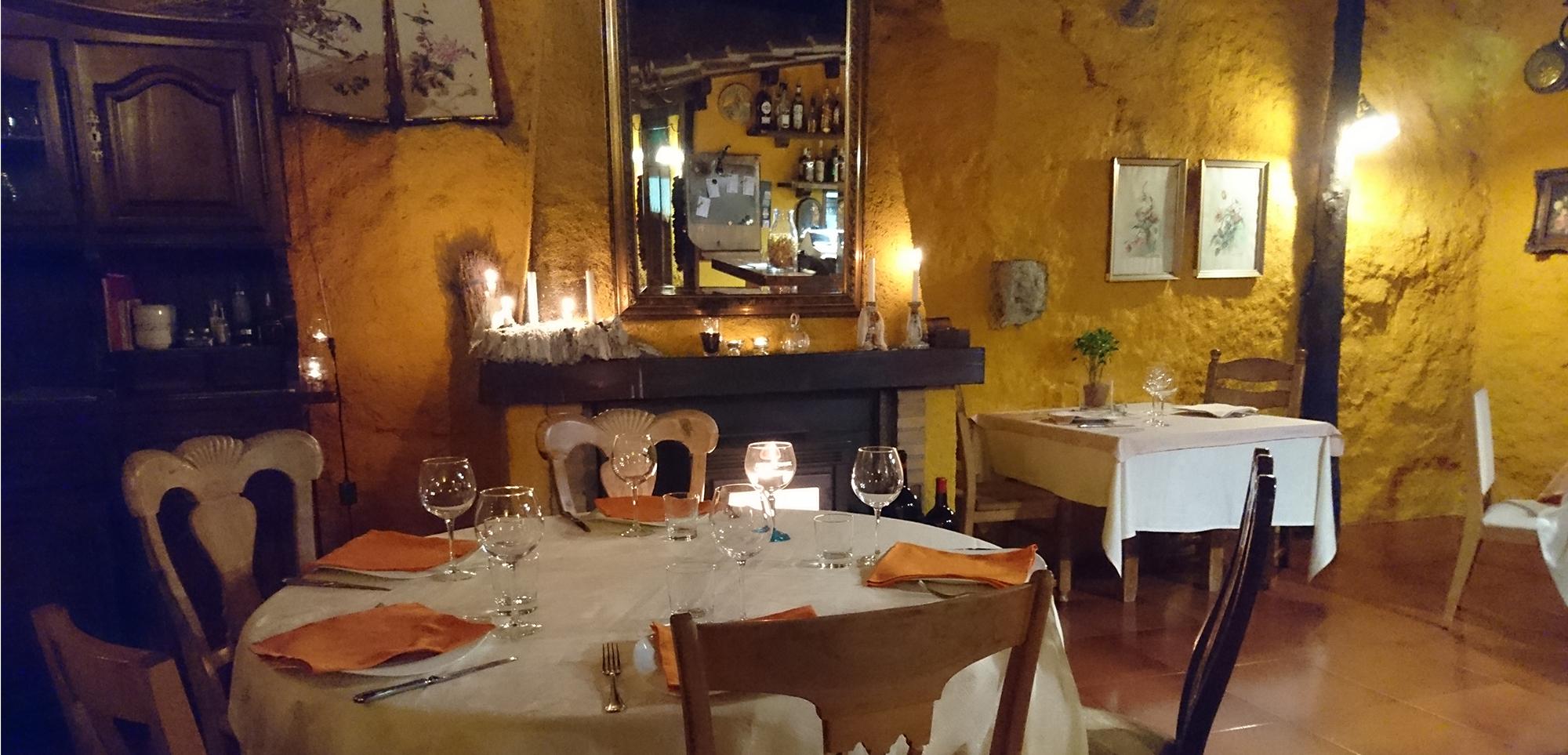 Salón inferior del restaurante El Zaguán